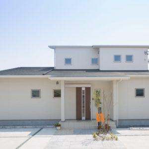 吉田の家 ほどよい距離感の二世帯住宅 外観