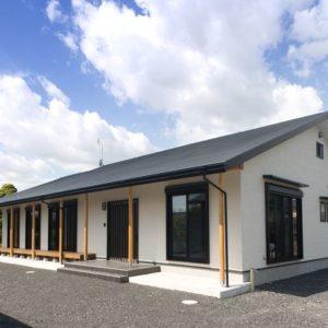静岡県の天然乾燥材を使用した大型な平屋建ての家 外観