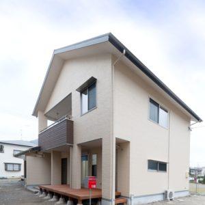 明快なゾーニングの2世帯住宅 外観
